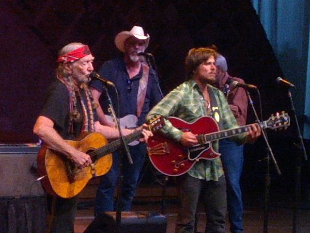 640px-Willie_and_Lukas_Nelson