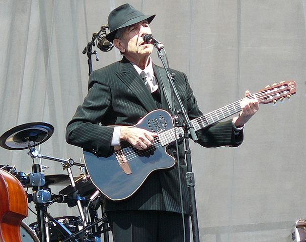608px-leonard_cohen_at_edinburgh_castle